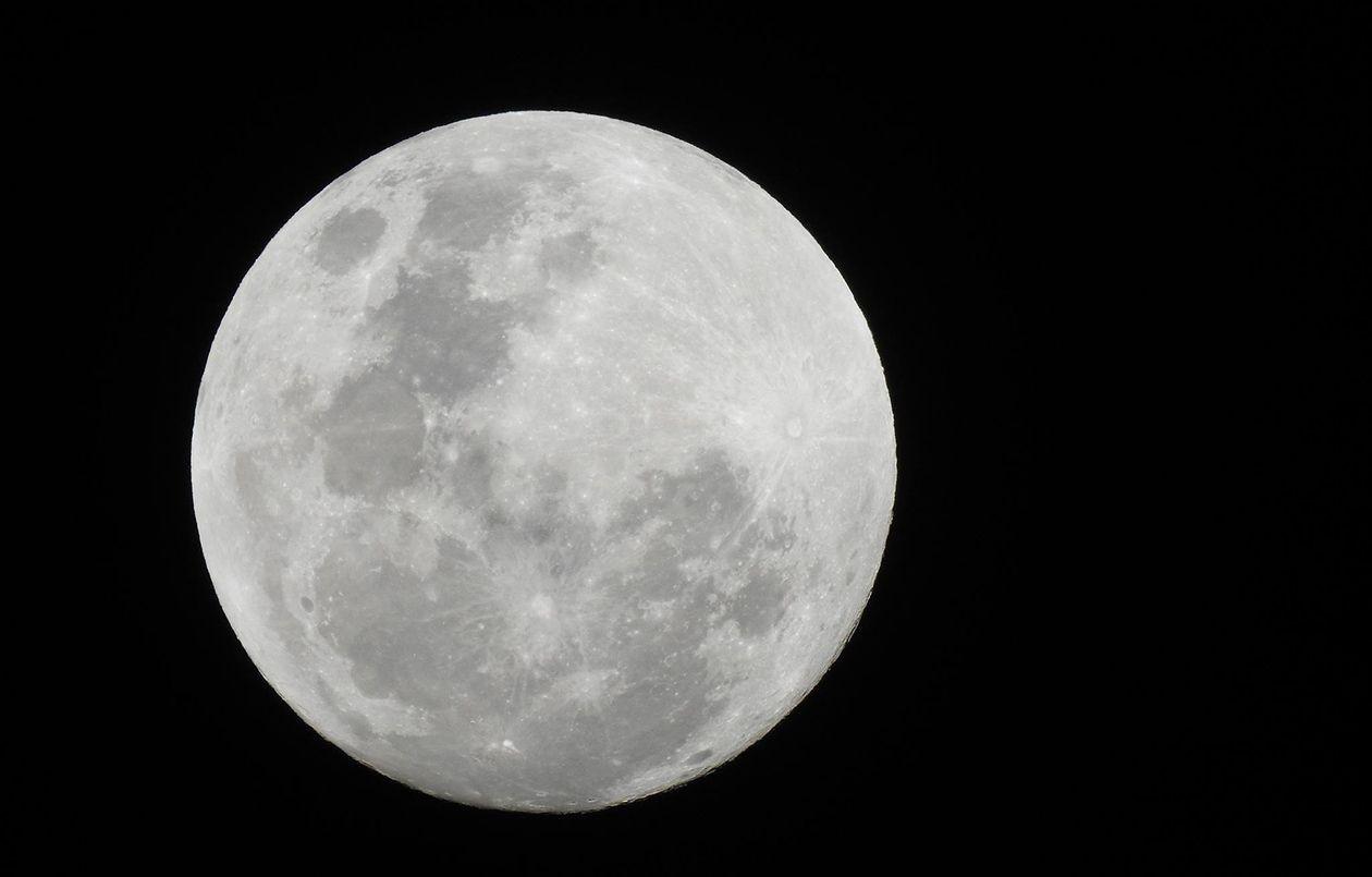 Full Moon Yoga - 27.4.18