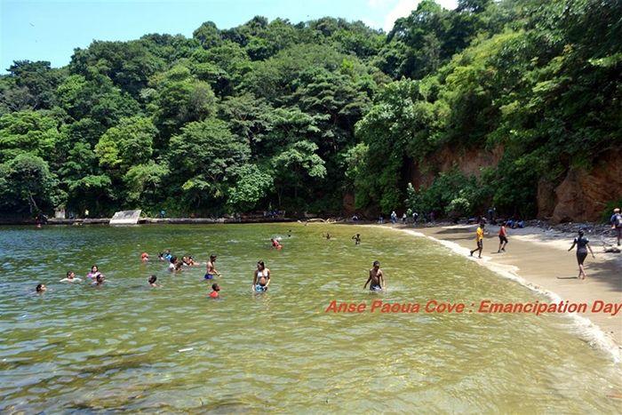 Anse Paoua Cove Hike